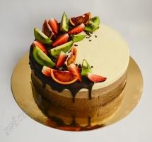 муссовый торт с клубникой и киви