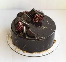 черный муссовый торт с гранатом