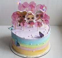 кремовый торт с леденцами L.O.L.