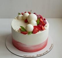кремовый торт с клубникой и малиной