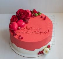 торт с розами и муссовыми сердечками