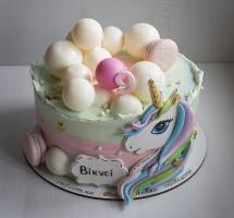 Кремовый торт с единорогом