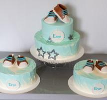 три тортика маленькому Егору