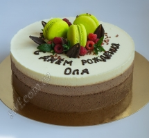 муссовый торт с малиной и макаронами