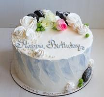 нежный кремовый тортик с розочками