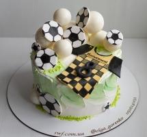 кремовый торт юному футболисту
