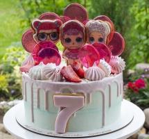 кремовый торт ЛОЛ