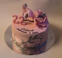 нежный мастичный торт с цветком