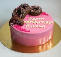 муссовый торт с шоколадными пончиками