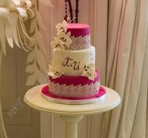 торт мастичный свадебный с орхидеями