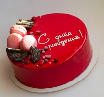 муссовый тортик с ягодами и макароном