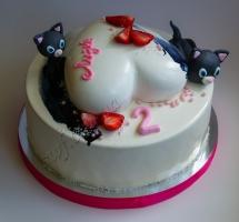 мусовый торт с котиками и сердцем