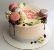 кремовый торт с аустомами