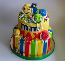 мастичный торт M&M's