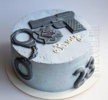 Кремовый торт полицейскому