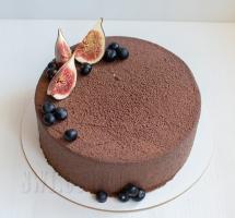 велюровый торт с инжиром и черникой