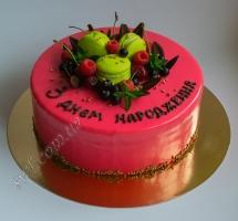 муссовый торт с ягодами и макаронами