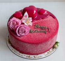 велюровый торт с муссовыми сердцами