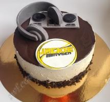 мастичный торт музыканту