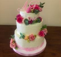 торт кремовый свадебный с цветами