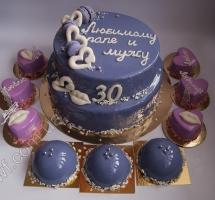 муссовый торт и муссовыми пирожными