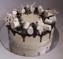 кремовый торт с безе и печеньем