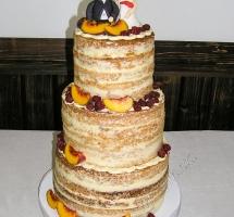 торт кремовый свадебный с фигурками