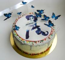 кремовый торт с бабочками